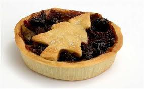 Less pastry on your mince pie, make a festive shape instead of a full lid